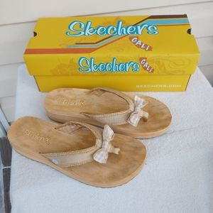 """Skechers Cali """"Tootles"""" Sandals Size 9"""